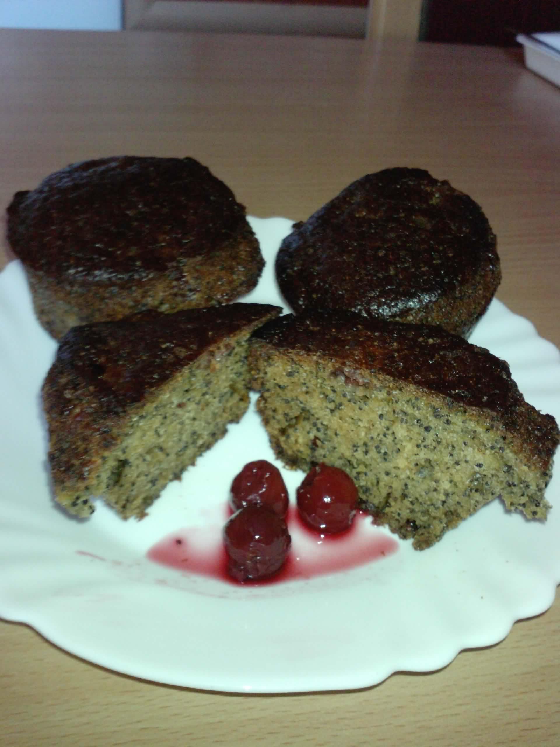 Mákos meggyes muffin recept
