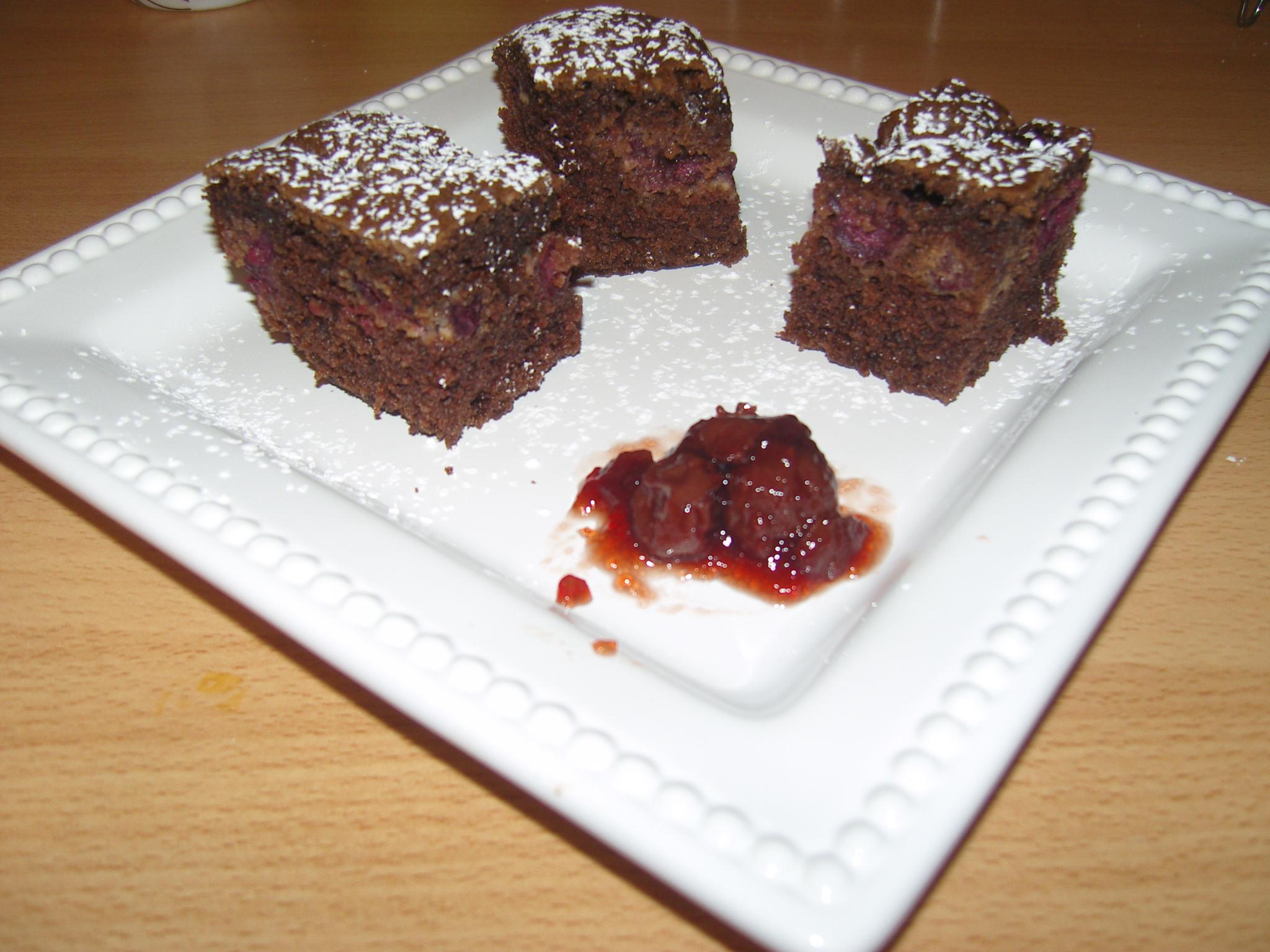 Meggyes kevert sütemény
